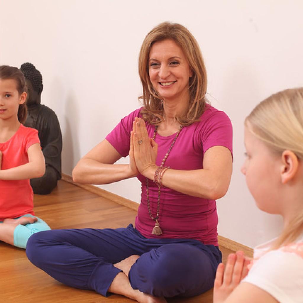Kinder Yoga Welt Institut